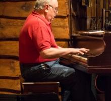 Terry-Brennan,-piano