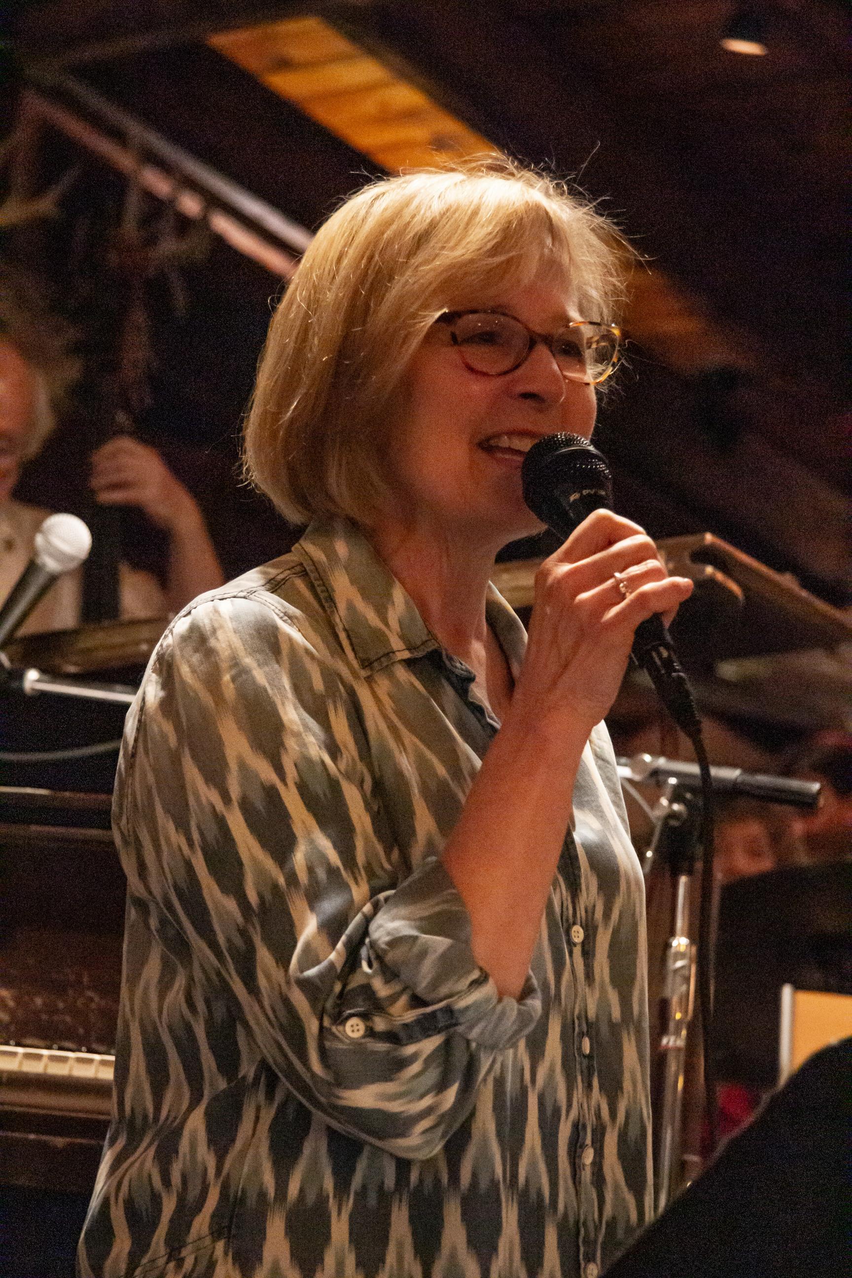 Leanna Ryan, vocal