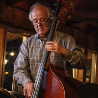 Bob Hodge, bass